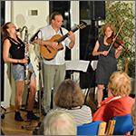 2016 musikalische Lesung in Niendorf mit Sandra Maria Schöner und der Mischpoke, Foto: BGFG