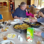Mit dem Kochtopf um die Welt. 2016 gemeinsam Kochen im Nachbarhaus in Niendorf Nord.